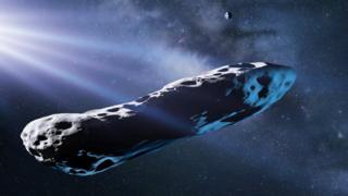 Impressão artística do cometa em forma de charuto, com a Via Láctea visível ao fundo