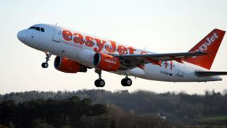 EasyJet plane cleared Lisbon runway at 30m after pilot 'confusion'