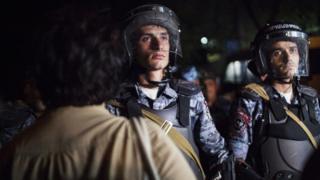 Полицейские во время протестов в Ереване