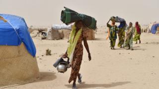 Women wey carry load