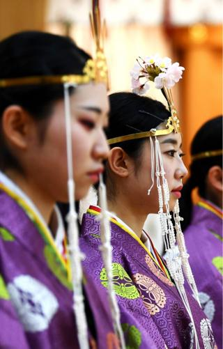 Colourful kimonos at Japan's Coming of Age Day thumbnail