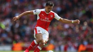 Sanchez avait été annoncé régulièrement du côté de Manchester City, du Bayern Munich ou du Paris-Saint-Germain.