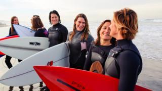Women surfers