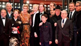 """مجموعة عمل وأبطال فيلم """"جزيرة الكلاب"""" في مهرجان برلين السينمائي الدولي"""
