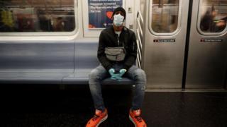 《肺炎疫情:特朗普宣布美国进入紧急状态》