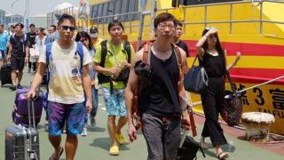 Hình minh họa khách du lịch đến Đài Loan