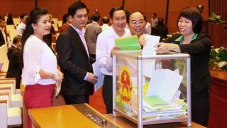 Việt Nam, Quốc hội, bỏ phiếu tín nhiệm
