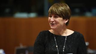 لیلین پلومن، وزیر توسعه هلند گفته است که نباید با اجازه دادن به تصمیم دونالد ترامپ، رئیس جمهور آمریکا، پیشرف در حوزه بهداشت زنان تضعیف شود