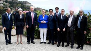 Leaders line up for photo at G7 summit
