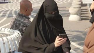 ဒိန်းမတ်မှာ မွတ်စလင် အမျိုးသမီးတွေ မျက်နှာကာ တပ်ခွင့်ပိတ်