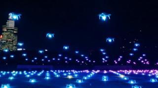 """بالفيديو: طائرات """"درون"""" تضيء سماء الصين"""