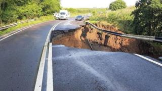 sports Road collapse