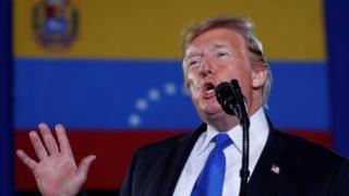 ترامپ در میان مخالفان حکومت ونزوئلا در میامی صحبت می کرد
