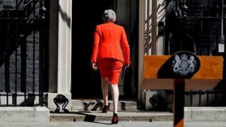 کارنامه سیاسی ترزا می؛ نخستوزیری که گریان رفت