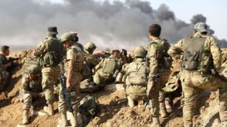 تنفي قوات سوريا الديمقراطية، المشكلة من أغلبية كردية، استيلاء الأتراك على بلدة رأس العين