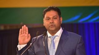 Ravi Yerrigadoo, en poste depuis les élections de 2014, est accusé d'avoir facilité des opérations de blanchiment d'argent grâce à ses prérogatives ministérielles