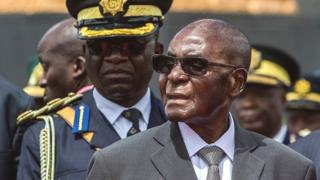 Âgé de 93 ans, M. Mugabe est le plus vieux chef d'Etat au monde.
