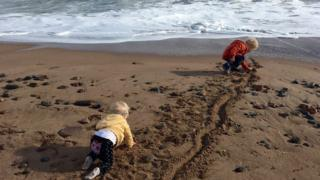Kids on Aberdeen Beach