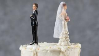 """كان """"التصرف غير العقلاني"""" من أكثر الأسباب التي ذكرت في محاكم الطلاق ببريطانيا عام 2017"""