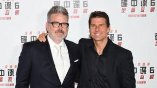 Christopher McQuarrie (left) and Tom Cruise