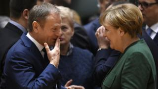 Дональд Туск и Ангела Меркель на саммите ЕС в марте