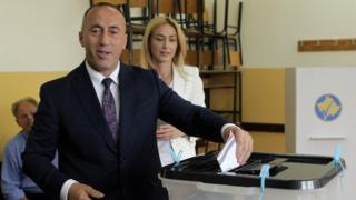 Prime Ministerial candidate Ramush Haradinaj casts his vote (11 June 2017)