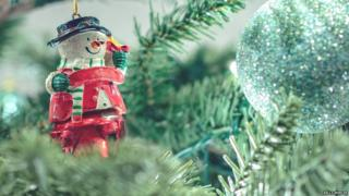 Christmas Ornament (Image: Kelly Mercer / Flickr)