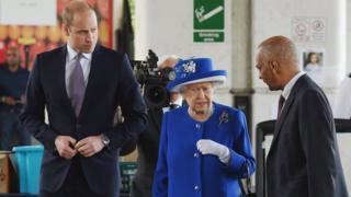 الملكة والأمير ويليام