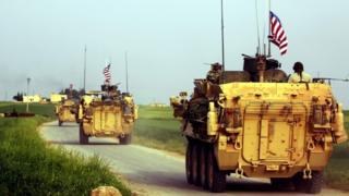 دوريات أمريكية في منطقة الحدود بين تركيا وسوريا التي شهدت مؤخرا توترات