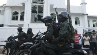 သီရိလင်္ကာက အီစတာဗုံးခွဲတိုက်ခိုက်ခံရမှုအပြီး မွတ်စလင် ဆန့်ကျင်ရေး အဓိကရုဏ်းတွေအတွက် စောင့်ကြပ်သူများ