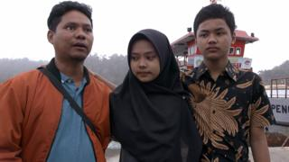 Iwan bersama dua anaknya bertemu dengan pelaku pengeboman, terpidana mati di Nusakambangan.
