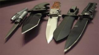 Изъятые ножи