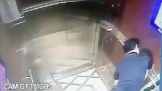 Ảnh chụp màn hình camera vụ việc hôm 2/4 tại thang máy chung cư Galaxy