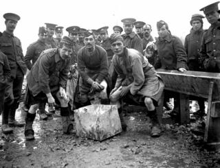 World War I, Scottish soldiers doing the washing up on the French front, 1914.
