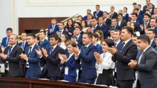 """Qurultoyda """"Kamolot"""" tugatilgan va Oʻzbekiston yoshlar ittifoqi tashkil topgan"""