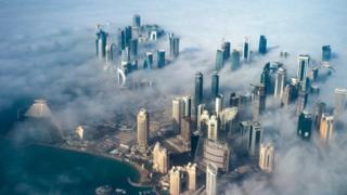 Qatar, ubutunzi bushingiye ku mwuka wa gazi, ifise abanyagihugu imiliyoni 2.7
