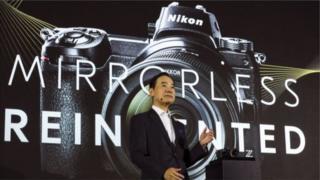 Nikon ayaa kaamerooyinkan ku soo bandhigtay Tokyo