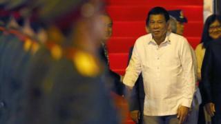 東南アジア諸国連合(ASEAN)首脳会議のためラオスを訪れたドゥテルテ氏