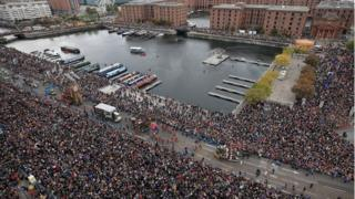 crowds at Albert dock