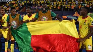 Les joueurs béninois célèbrent leur qualification en quarts de finale.