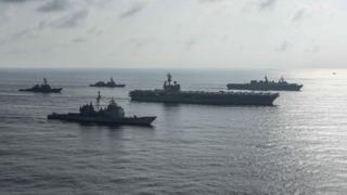 Tàu sân bay USS Ronald Reagan và, tàu tuần dương tên lửa USS Antietam và tàu khu trục tên lửa USS Milius tiến hành một buổi tập với Hải quân Nhật Bản Tàu tự vệ của tàu khu trục trực thăng JS Kaga, tàu khu trục JS Inazumavà tàu khu trục JS Suzutsuki ở Biển Đông hôm 31/8