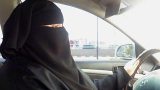 أخيرا تحققت أحلام الكثير من السعوديات في قيادة السيارات