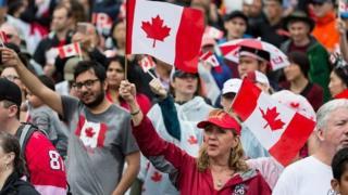 Канадцы на фестивале в честь дня страны