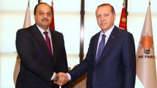 الرئيس التركي رجب طي أردوغان ووزير الدفاع القطري محمد بن العطايا