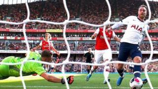 Eriksen aliichezea Spurs mchezo wa kwanza dhidi ya Norwich City Septemba 14,2013 na kuchangia goli moja