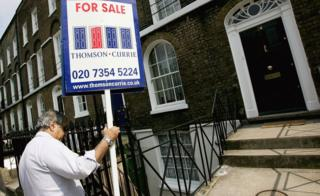 Property professionals see bumper pay rise as market booms