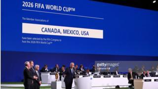 Moscow, Nga - 13/06/2018: Chủ tịch liên đoàn bóng đá Mỹ, Carlos Cordeiro phát biểu sau khi Fifa công bố chiến thắng của liên quân Mỹ, Canada và Mexico.