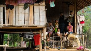 ဒုက္ခသည်တွေ မြန်မာပြည်ပြန်ရင် မှတ်ပုံတင်လုပ်ပေးမည်