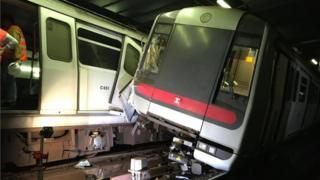 两列车在中环站隧道内相撞,损毁程度相当严重