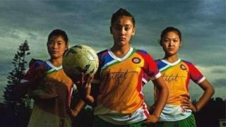 """Đội bóng đã nữ Tây Tạng có """"tinh thần tốt"""" mặc dù không được vào Mỹ"""